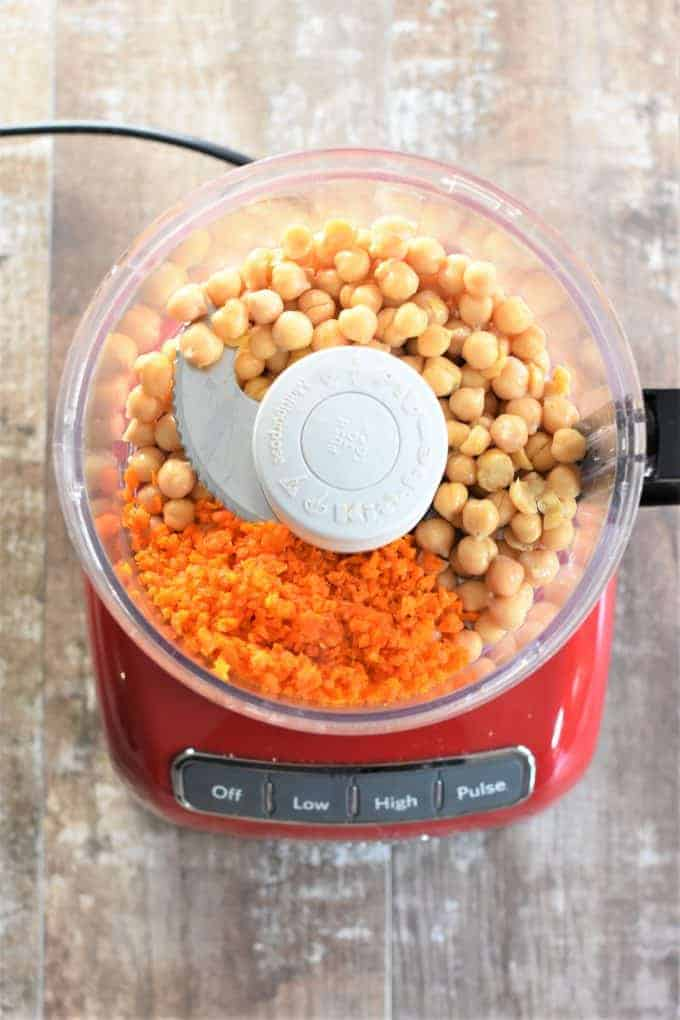 Chickpeas and carrots in a food processor