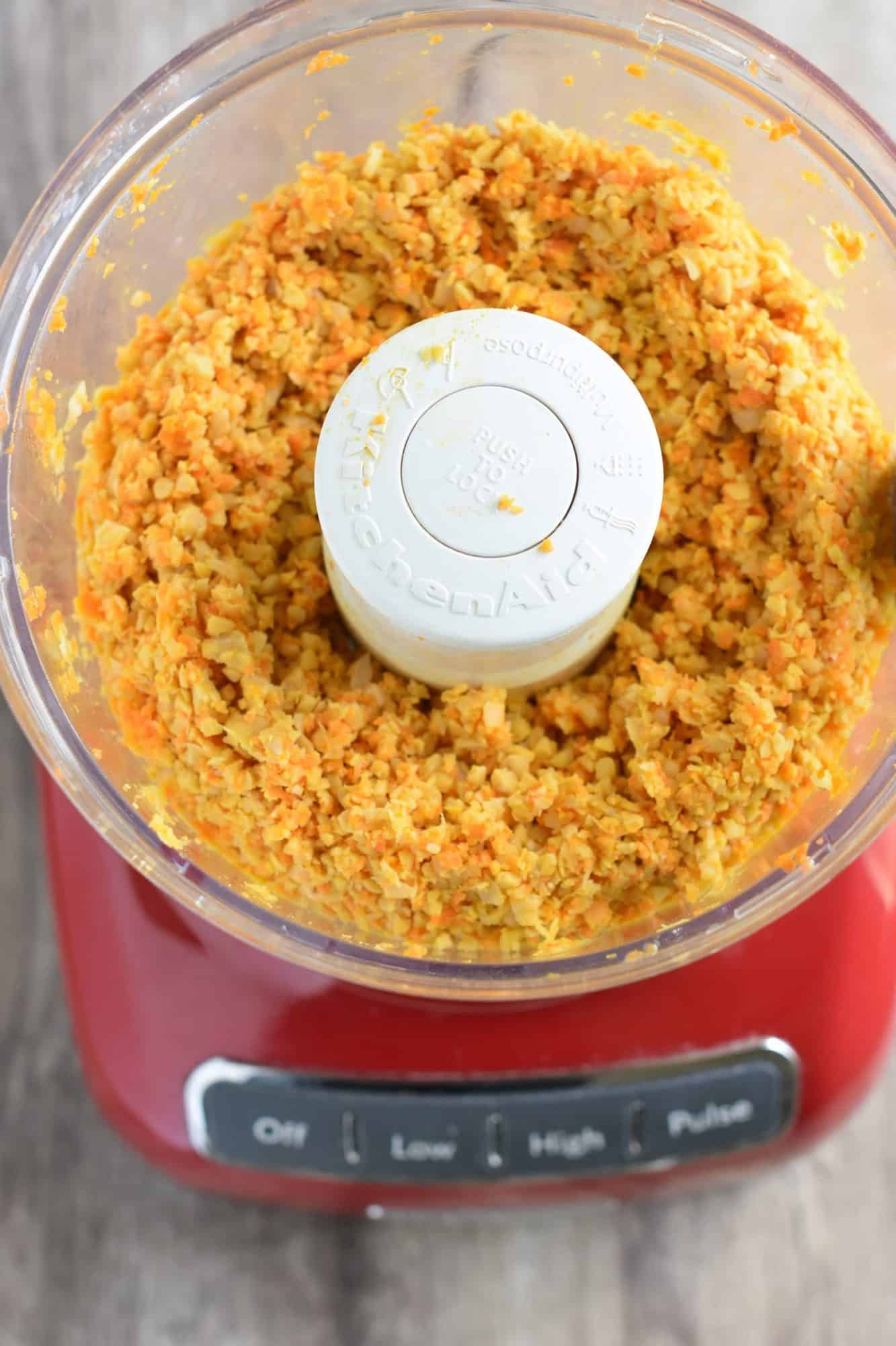 chickpeas and carrots combined in food processor