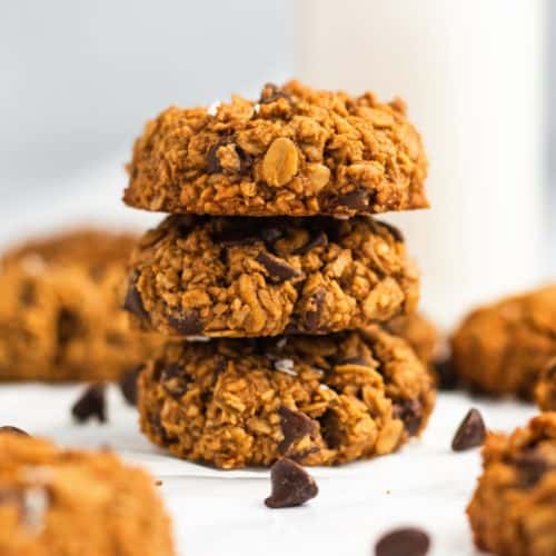 front view of 3 cookies stacked on top of each other